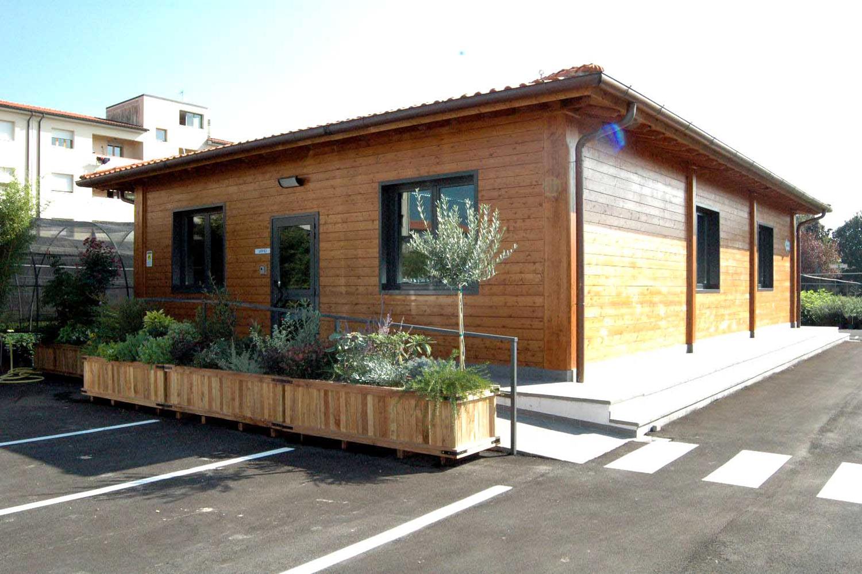 Edificio per Uffici In Legno